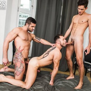 Ashton-Summers-James-Castle-Letterio-Amadeo-Gay-Porn-Bareback-Sex-7